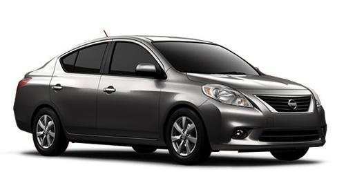 Nissan Versa 2012 acero