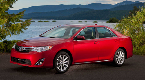 Toyota Camry 2012 oficial foto