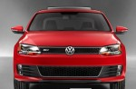 Volkswagen Jetta GLI 2012 rojo parrilla panal emblema GLI