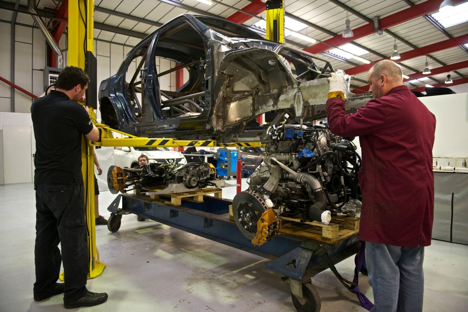 Nissan Juke-R ensamble