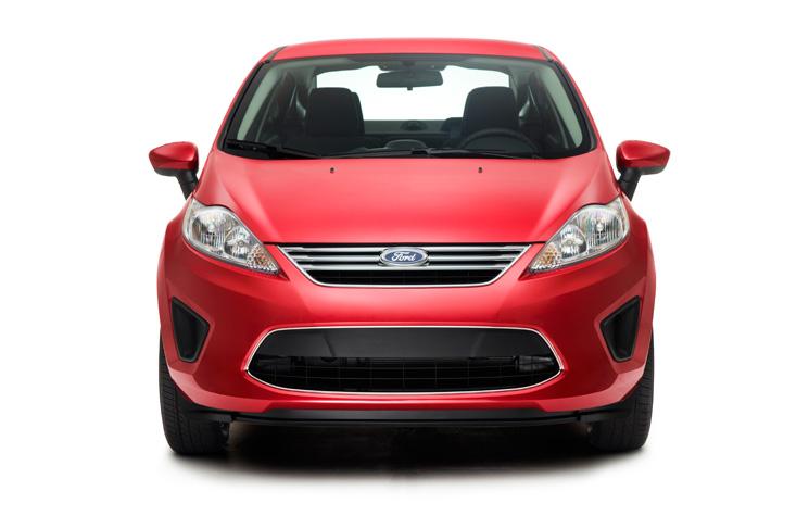Ford Fiesta 2013 en México Sedán rojo