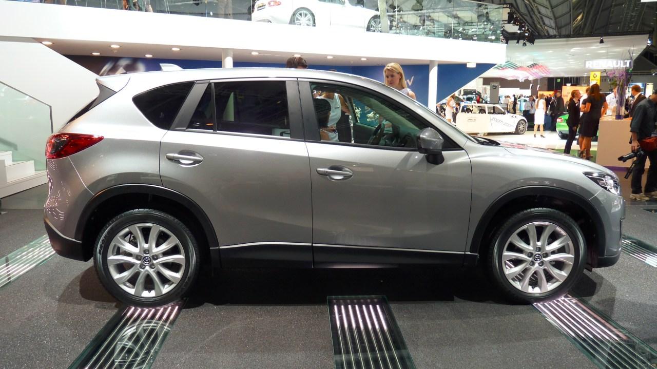 Nuevo Mazda CX-5 para México color plata en vivo - Autos ...
