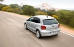 Nuevo Polo 2013 ya en México color plata en carretera