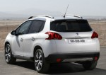 Peugeot 2008 2015 parte trasera