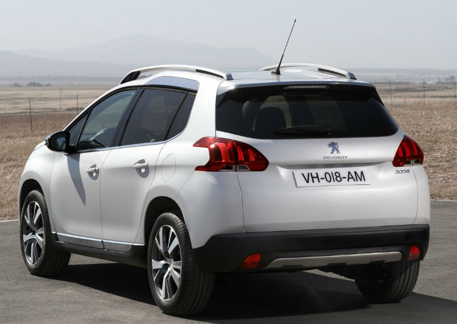 Peugeot 2008 2015 parte trasera