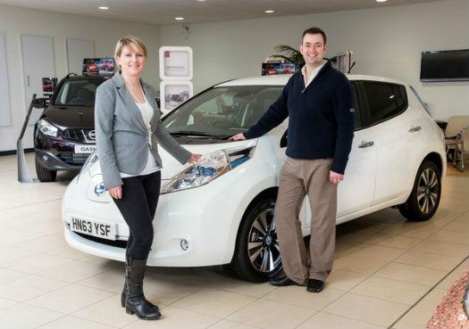 Nissan LEAF vende su unidad 100000