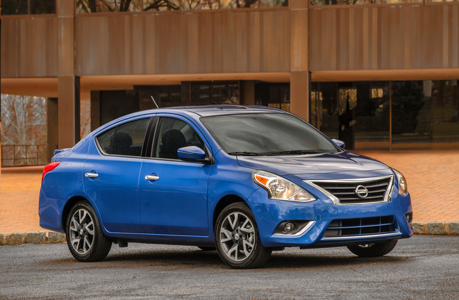 Nissan Versa 2015 color azul