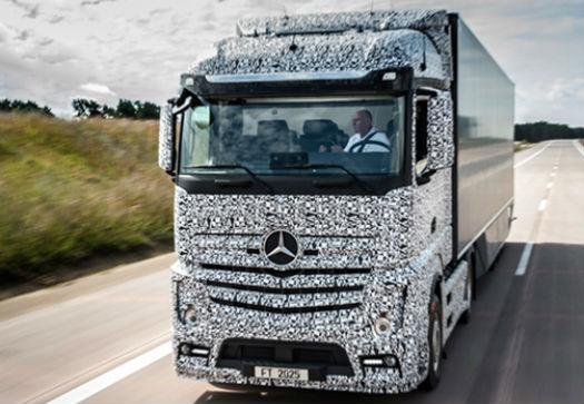 Mercedes Camión con conducción automática