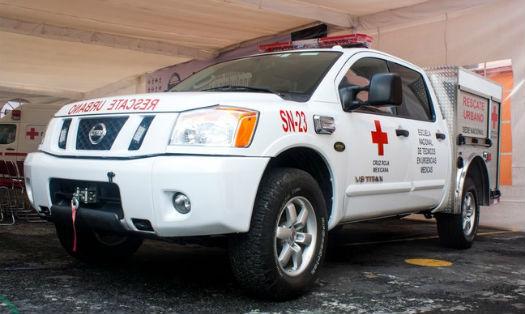 Nissan Titan Cruz Roja