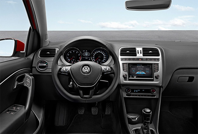 Volkswagen  Polo 1.0 Bluemotion interior  Cluster