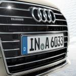 Audi A6 Sedán 2016 frente parrilla con Logotipo y placa