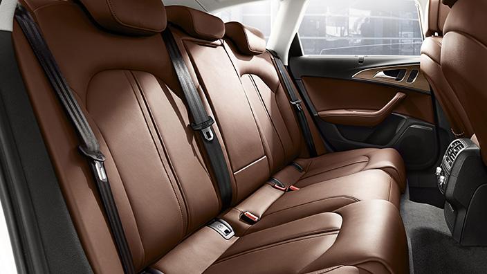 Audi A6 Sedán 2016 asientos traseros de piel