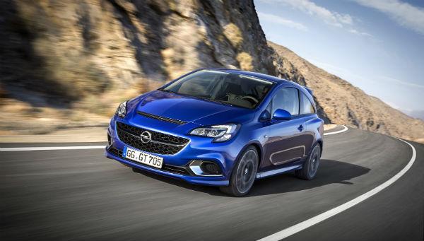Opel Corsa OPC azul ópalo carretera