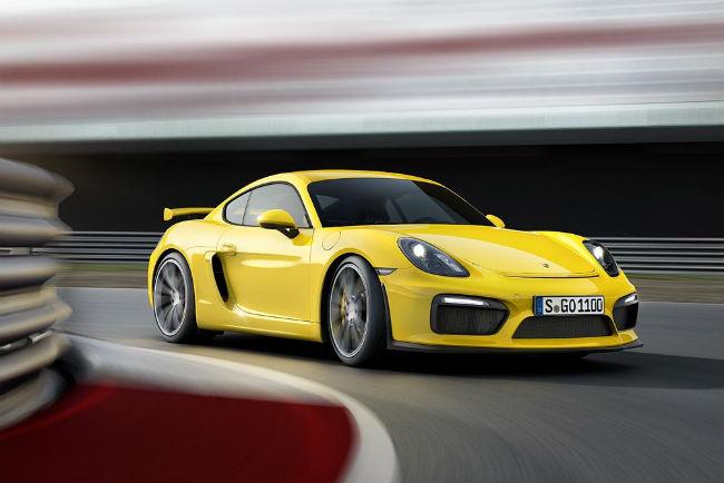 Porsche Cayman GT4 amarillo