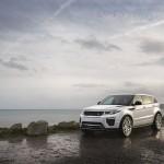 Range Rover Evoque 2016 a lado del mar color blanco