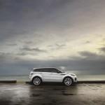 Range Rover Evoque 2016 de lado vista al mar