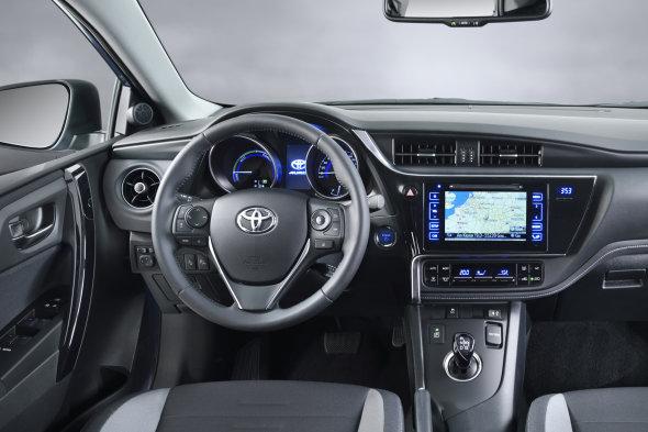 Toyota Auris, actualización previo a Ginebra 2015 interior