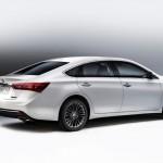 Toyota Avalon 2016 vista lateral