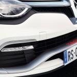 Renault Clio RS 220 Trophy luces frontales y parrilla