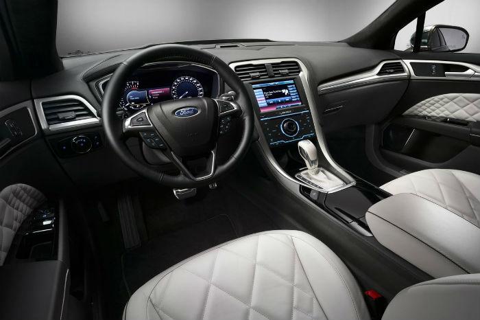 Ford Mondeo Vignale tablero