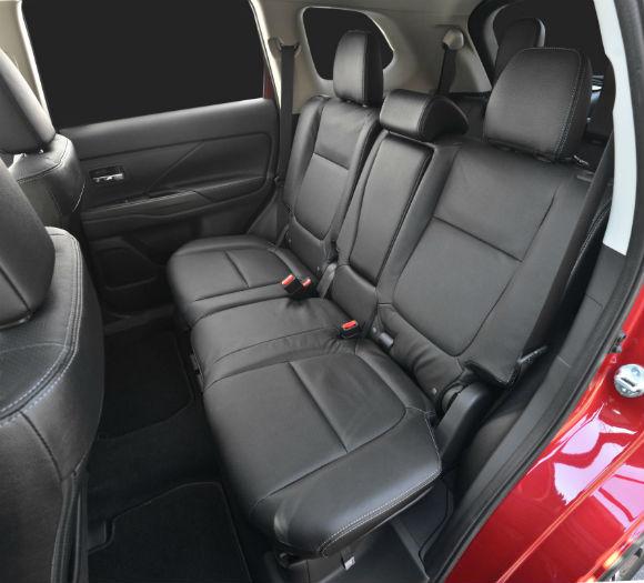 Mitsubishi Outlander presentación oficial en Nueva York interior-trasero