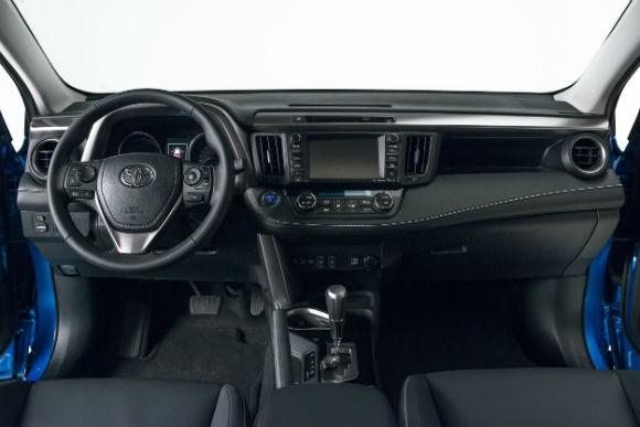 Toyota RAV4 Hybrid presentación Nueva York tablero