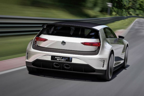Volkswagen Golf GTE Sport Concept híbrido vista trasera