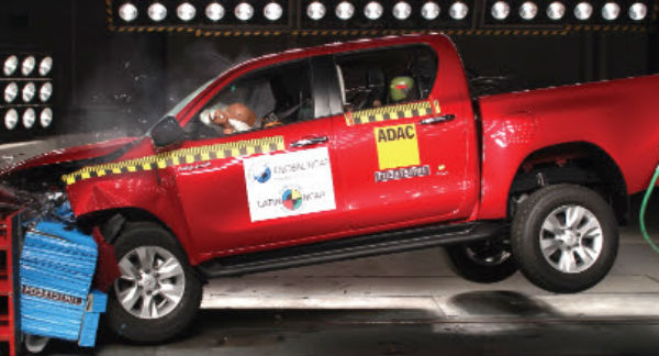 Toyota Hilux 2016 Latin NCAP