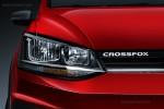 Nuevo Volkswagen CrossFox 2016 en México frente luces con logotipo