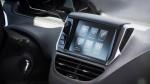 Peugeot 208 2016 pantalla