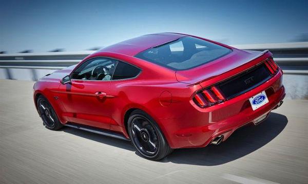 Mustang California Special 2016 color rojo