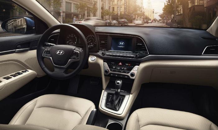Elantra Interior 2017 >> Hyundai Elantra 2017 ya en México, precios y versiones - Autos Actual México