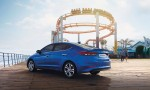 Hyundai Elantra 2017 vista posterior