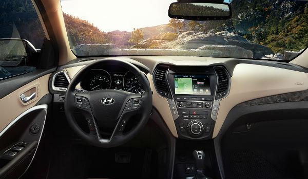 Hyundai Santa Fe Sport 2.0T interior