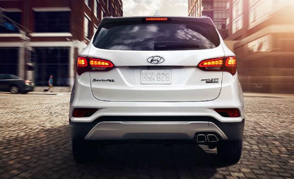 Hyundai Santa Fe Sport 2.0T vista posterior