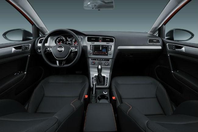 Volkswagen CrossGolf 2017 interior