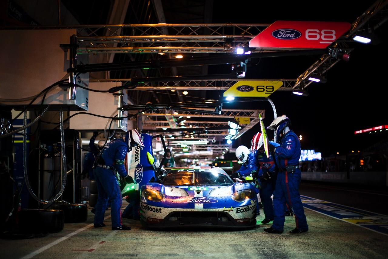 Ford GT para Las 6 horas de México en taller de frente