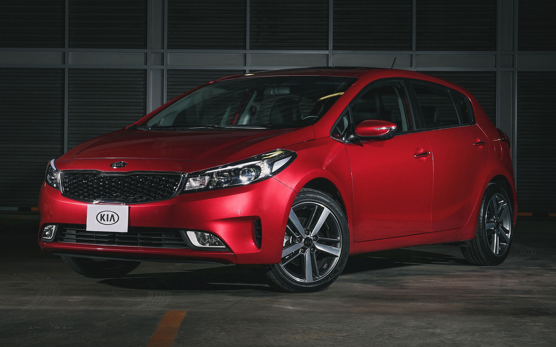 kia forte hatchback 2017 para m xico autos actual m xico. Black Bedroom Furniture Sets. Home Design Ideas