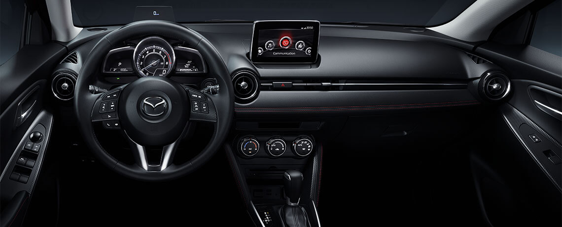 Mazda 2 2017  México interior pantalla Touch de 7 pulgadas