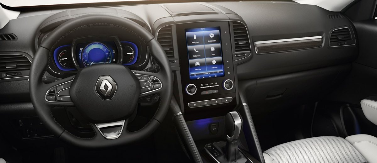 Renault Koleos 2017 interior con pantalla touch