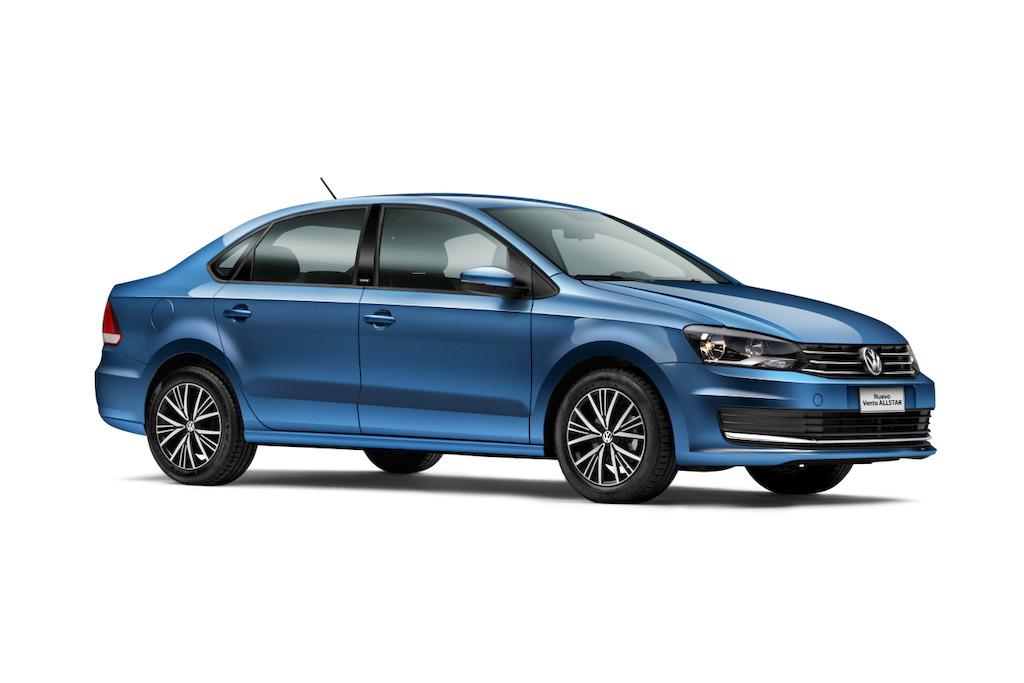 Volkswagen Vento ALLSTAR 2017 en México exterior frente perfil