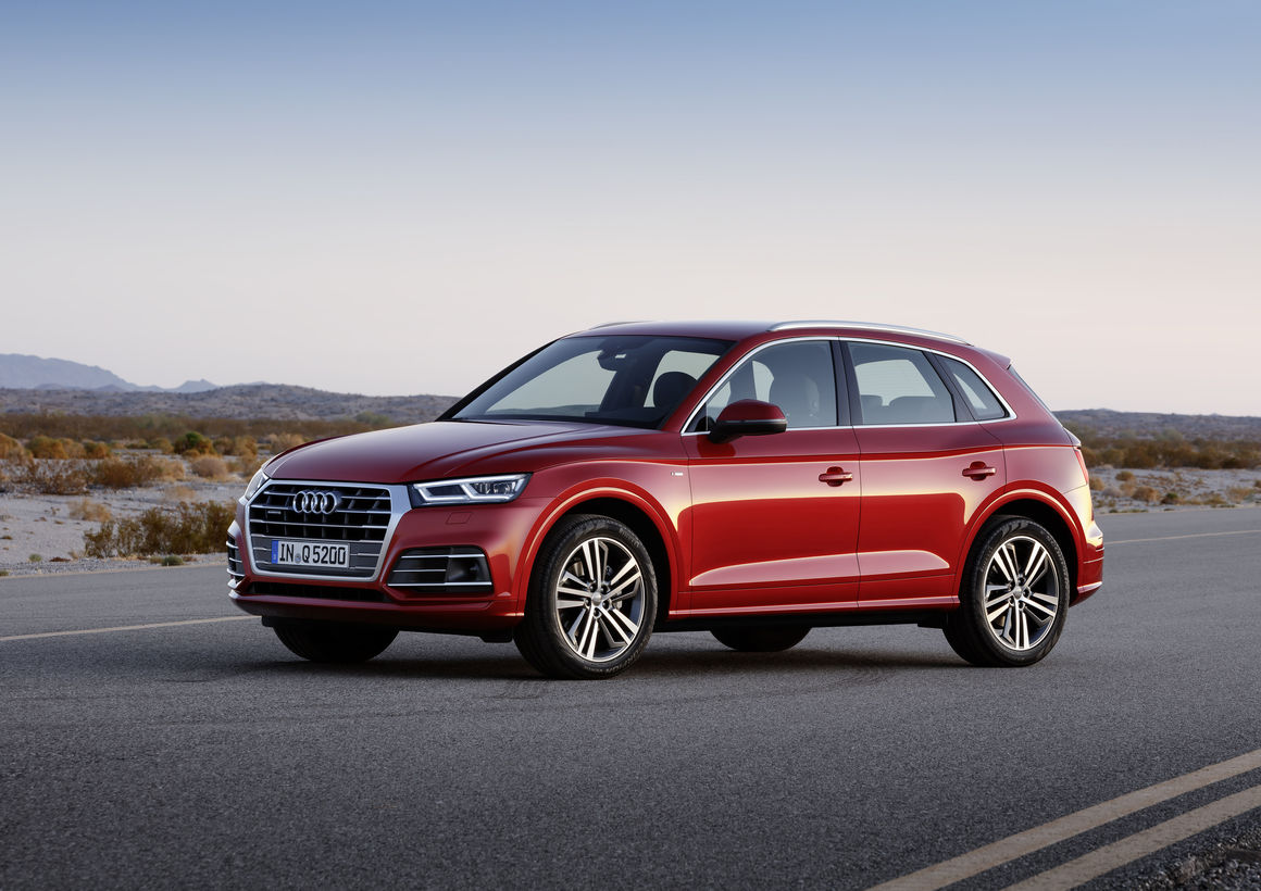 Audi Q5 2018 en México de lado color rojo