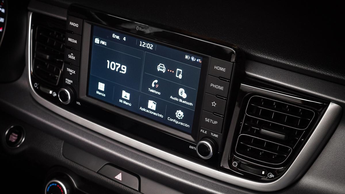Kia Rio Hatchback 2018 Hecho en México pantalla de 7 pulgadas con Android Auto y Apple CarPlay