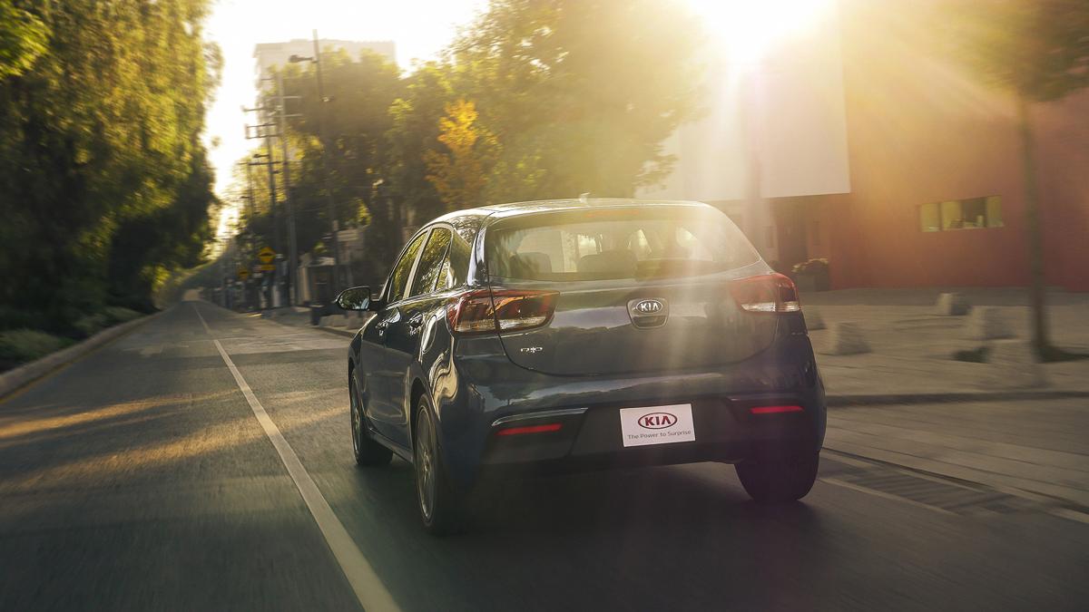 Kia Rio Hatchback 2018 Hecho en México parte trasera