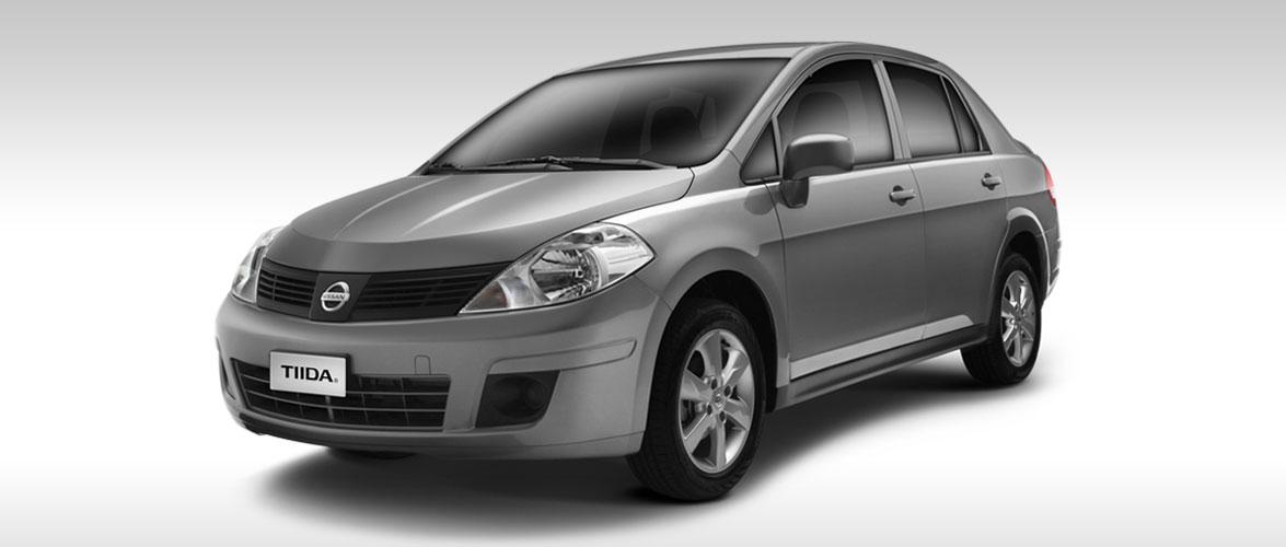 Nissan Tiida 2017 en México color plata