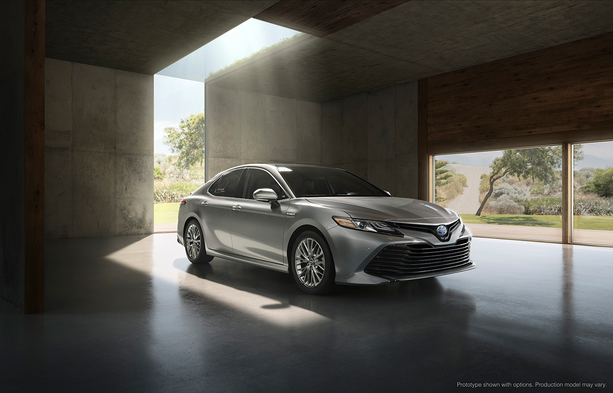 Toyota Camry 2018 color plata