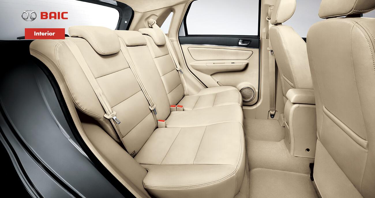 Baic D20 2017 interior asientos traseros en piel