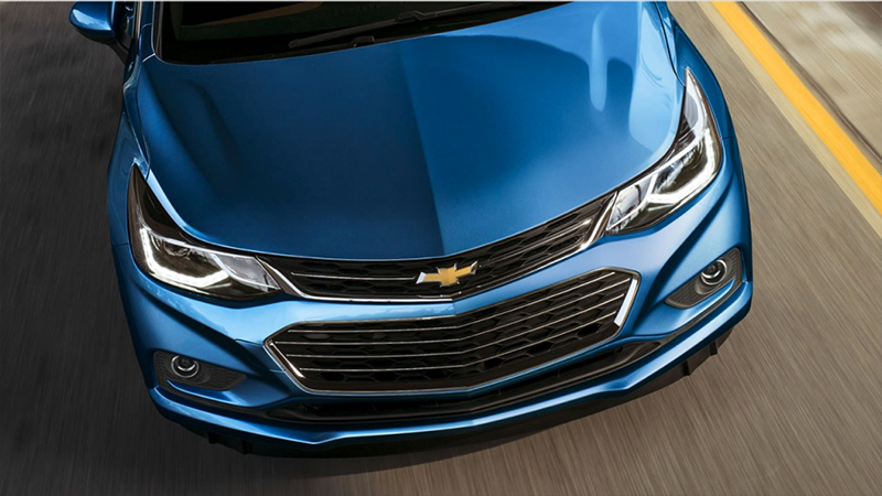 Chevrolet Cruze 2017 en México parrilla y luces LED