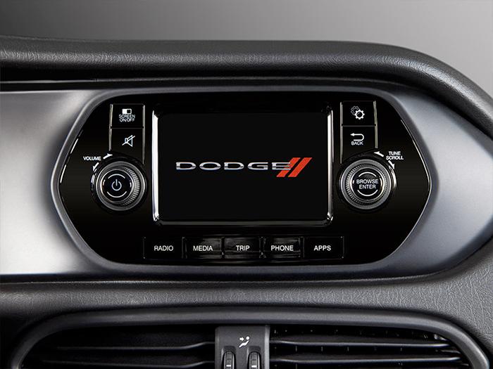 Dodge Neon 2017 en México pantalla touch