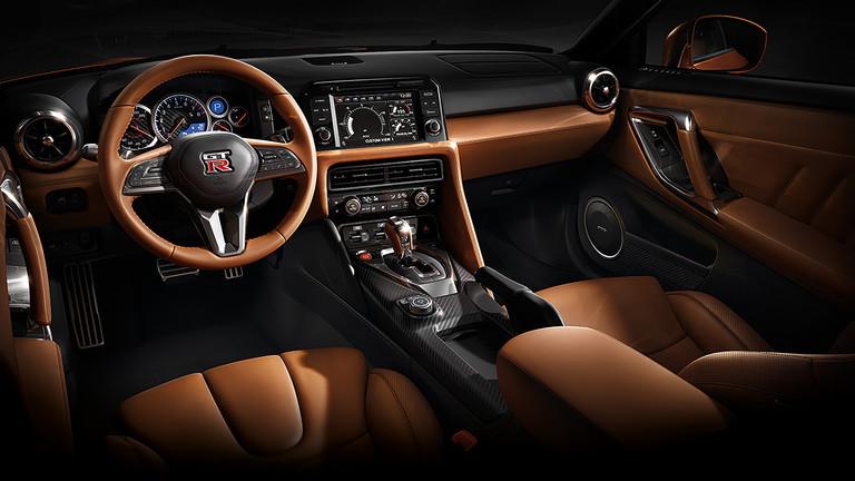 Nissan GT-R 2017 en México interiores